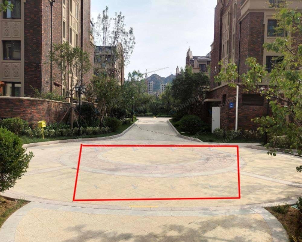 临沂外滩龙庭帝景 - 小广场