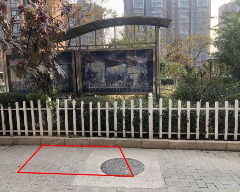 北京顺沙路8号院 - 北门进门30米广告牌处