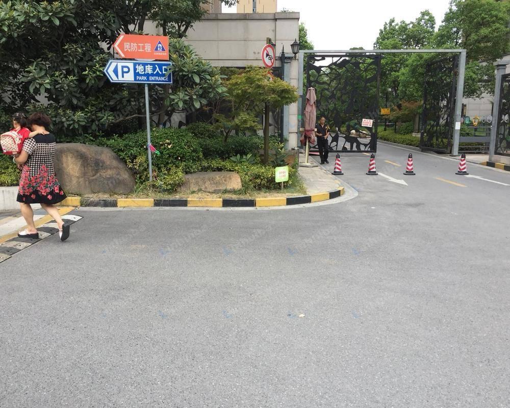 上海新城金郡北区 - 栖霞大道与仙新路交汇处