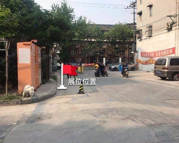 广灵二村 - 大门右手边