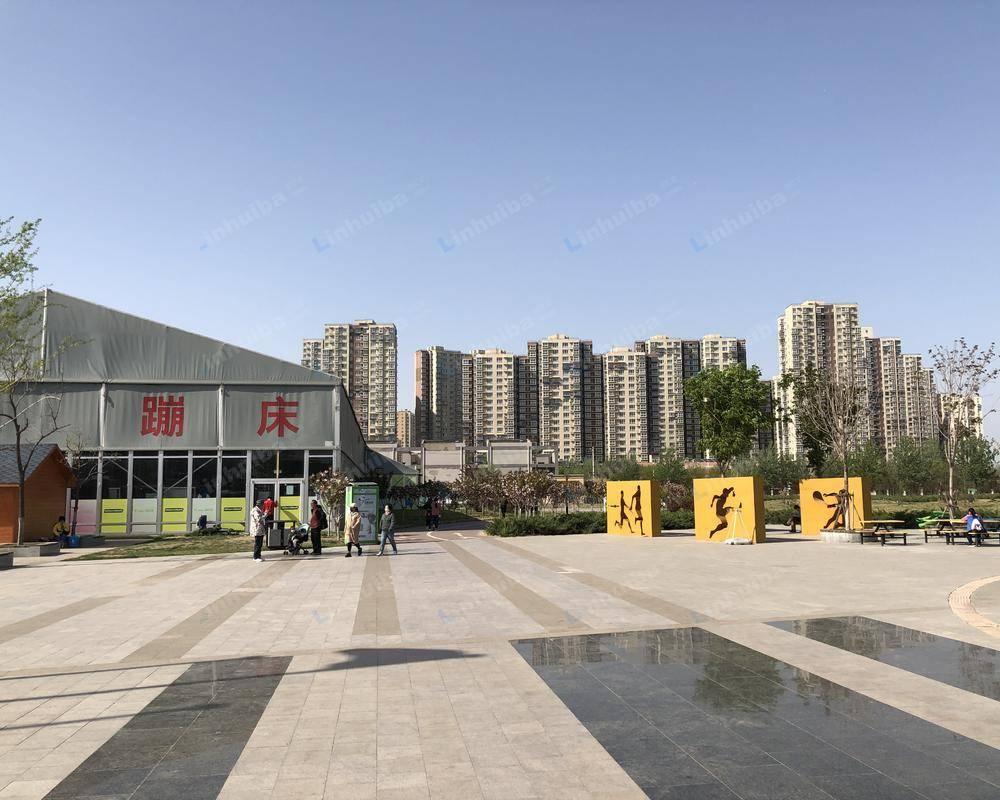 北京利星行广场 - 广场