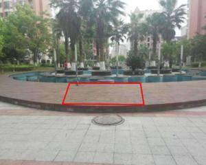 中心水池转盘处