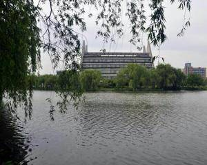 上海工程技术大学松江校区