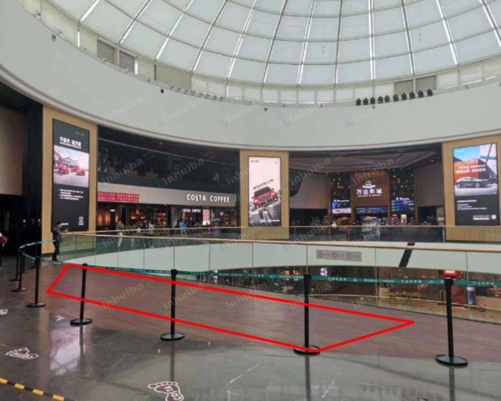 北京万达影院通州万达广场店 - 影院出入口旁