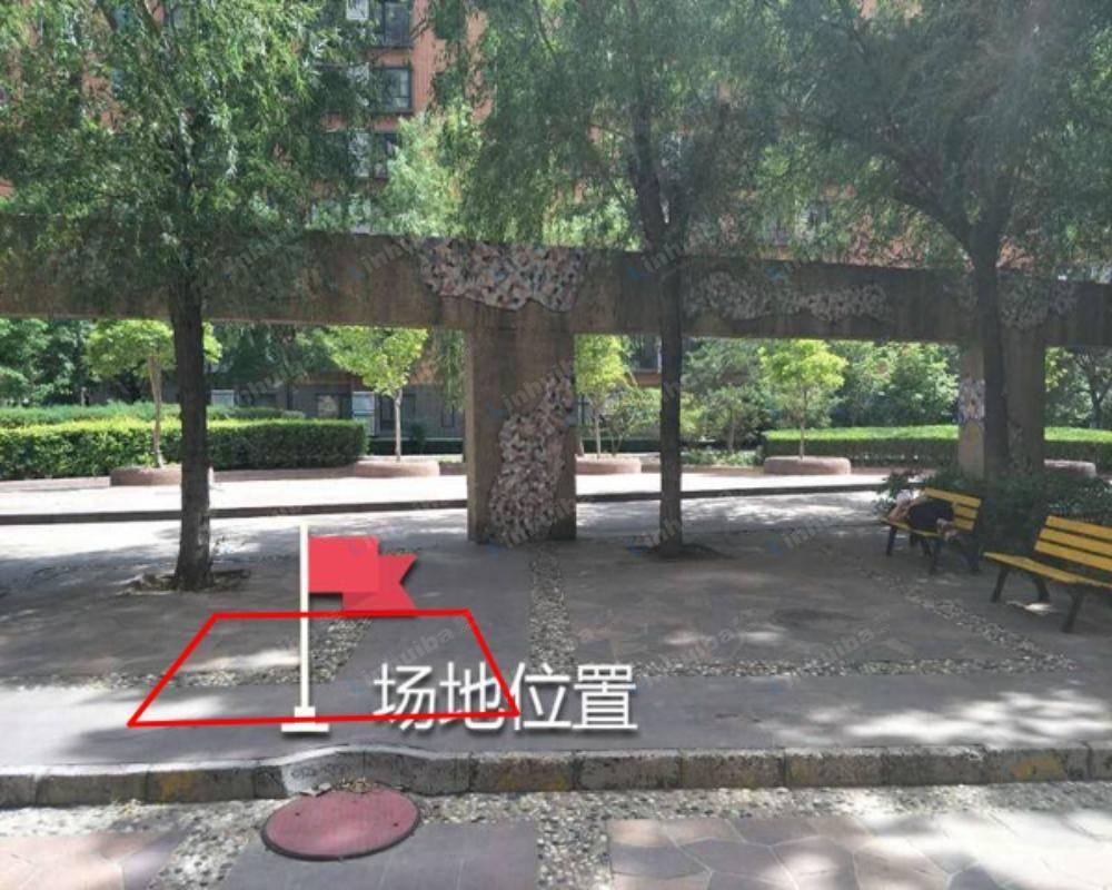 北京风林绿洲 - 五号楼南侧花园座椅东侧