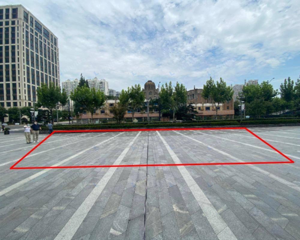 上海白玉兰广场 - 东长治路外广场