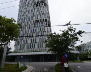 上海华鑫中心