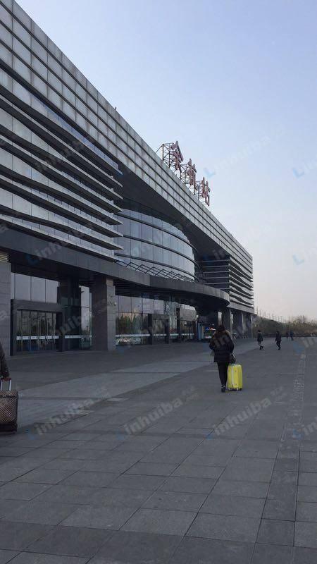 余杭高铁站 - 安检处右方西面候车室