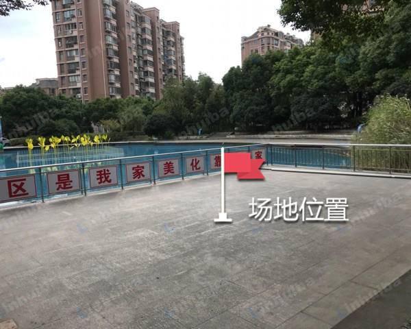 金桥新城金利苑 - 小区水池广场